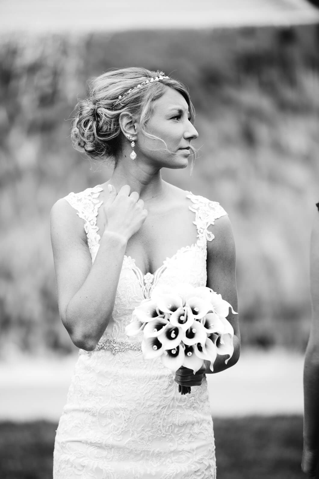 svartvit bild på bruden